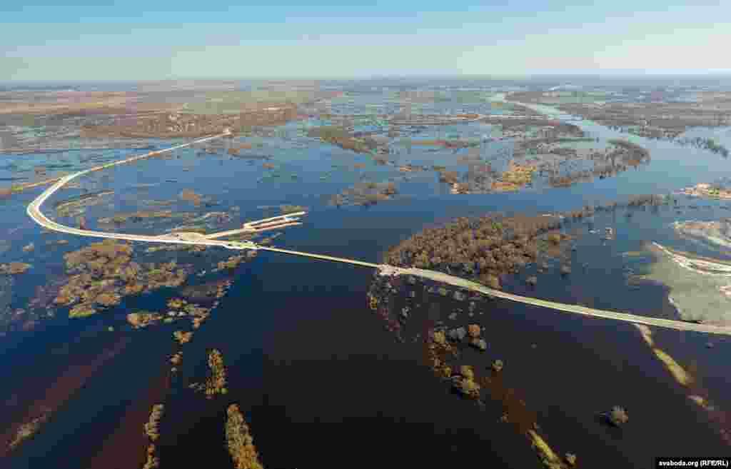 Belarus - The Prypiat river. 04Apr2018