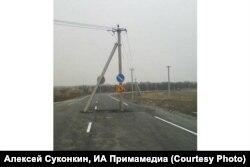 Приморье, дорога вокруг столба ЛЭП