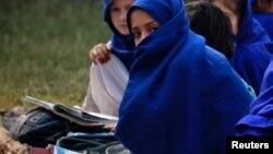 Девочки на занятиях в одной из школ провинции Хайбер-Пахтунхва.