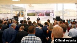 Armenia -- Pime Minister Hovik Abrahamian speaks at the ground-breaking ceremony for the Amulsar gold mining project, 19Aug2016.