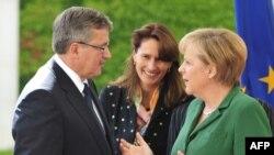 Анґела Меркель та Броніслав Коморовський пыд час офіціційної зустрічі у Берліні, 3 вересня 2010 року