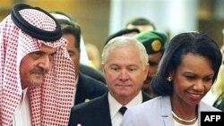سعود الفیصل (چپ) در کنار رابرت گیتس و کاندولیزا رایس