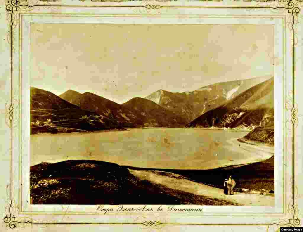 Озеро Казеной-Ам на границе Чечни и Дагестана