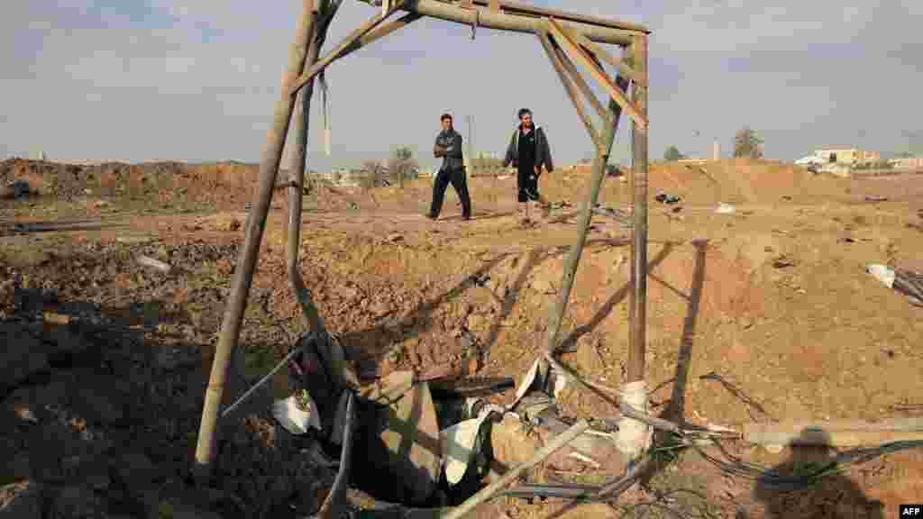 Palestina - Tunel za krijumčarenje na granici područja Gaze sa Egiptom, u gradu Rafah, 22. novembar 2012. Foto: AFP / Said Khatib