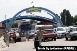 На границе Казахстана с Кыргызстаном.