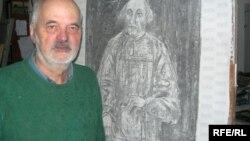Аляксей Марачкін ў сваёй майстэрні.
