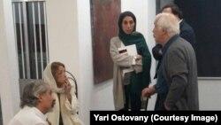 با خسرو سینایی کارگردان سینما در گالری آریا (تهران)