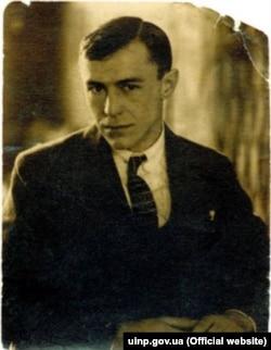 Валер'ян (Валеріян) Підмогильний (1901–1937) – український письменник і перекладач, один з найвизначніших прозаїків українського «розстріляного відродження». Був розстріляний 3 листопада 1937 року в Сандармосі (Карелія)