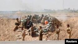 """Иракта """"Ислам мемлекеті"""" тобына қарсы соғысып жатқан күрд жасақтары. (Көрнекі сурет)"""