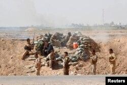 Позиции отрядов пешмерга вблизи иракского города Киркук. 30 сентября