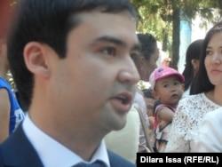 Шымкент қалалық әлеуметтік бағдарламалар және жұмыспен қамту бөлімінің басшысы Асылжан Жамалбек. Шымкент, 20 тамыз 2015 жыл.