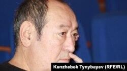 Казахский писатель Роллан Сейсенбаев. Алматы, октябрь 2011 года.