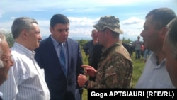 После того как заградительные сооружения будут установлены на линии де-факто границы, жители грузинских сел Цхинвальского региона останутся без части своих земельных участков