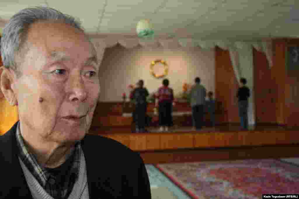 Василий Дон, прихожанин буддийского храма.