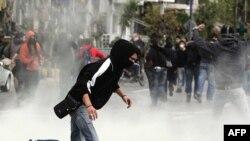 Neredi u Grčkoj