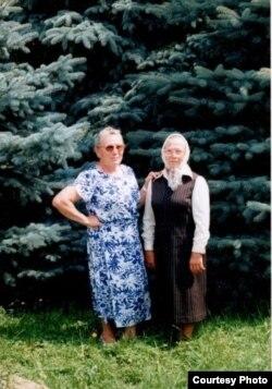 Сестри Ольга Любчик і Ганна Любчик (Анна Валентинович) в Україні