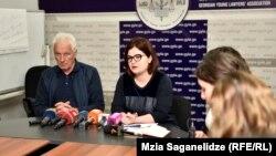 «Произошло непонятное «воскрешение» мертвых бюллетеней», – заявила накануне глава Ассоциации молодых юристов Анна Нацвлишвилии вместе с другими НПО внесла иск в местный суд