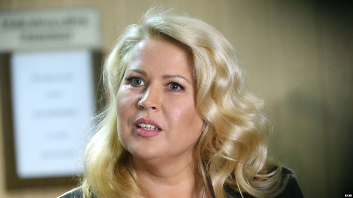 Evgenia Vasilyeva could not get to the court meeting concerning her parole 21.08.2015 97
