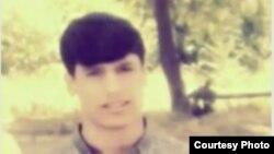 Житель душанбе Сомон Шрифов, скончавшийся в результате поножовщины среди молодежи.