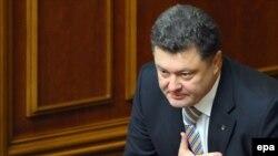 Петр Порошенко принимает поздравления украинских парламентариев, 9 октября 2009