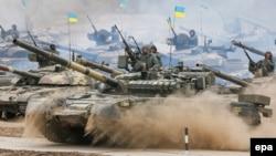 Українські танкісти під час військових навчань. Чернігівська область, 10 вересня 2016 року