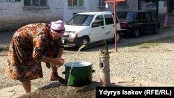 Кыргызстандын көпчүлүк аймагы таза суунун азабын тартып келет.