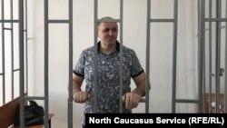 Оюб Титиев на суде