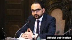 Armenia -- Deputy Prime Minister Tigran Avinian chairs a cabinet meeting in Yerevan, November 28, 2019.