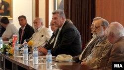 Од изборот на нови редовни членови на МАНУ.