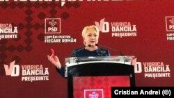 Viorica Dăncilă în timpul campaniei electorale pentru alegerile prezidențiale din 2019.
