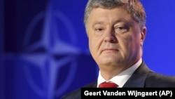 Порошенко: Мене після подій із російською агресією слово меморандум, включаючи Будапештський, трохи дратує