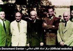بقایی - نفر اول سمت چپ - در کنار حائری زاده، مصدق، مکی و آزاد که جبهه ملی را بنیان گذاشتند.