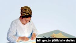 В рамках 28-го проекта «Фонда Посла по сохранению культурного наследия» (AFCP) в Туркменистанебудет сохранено 80 рукописей на арабском, персидском и тюркском языках, написанных известными учеными, поэтами и авторами, жившими в Центральной Азии и на Ближнем Востоке.