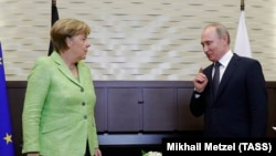 Angela Merkel və Vladimir Putin, Soçi, 2 may, 2017