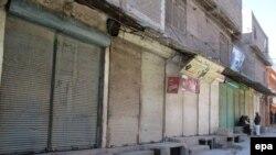Жарылыс болған базар жабық тұр. Парачинар қаласы, Пәкістан, 14 желтоқсан 2015 жыл.