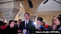 Presidenti i Serbisë, Aleksandar Vuçiq dhe patriaku i Kishës Ortodokse Serbe, Irinej.