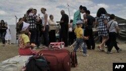 Беженцы с восточной Украины на российской границе