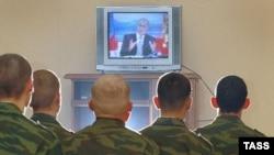 Судя по заданным вопросам, внутренней политики в России практически нет