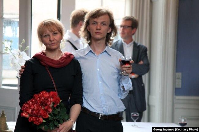 Егор с мамой Валентиной в Дании