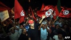 Демонстрація під парламентом Тунісу з вимогами відставки уряду ісламістів, ніч на 29 липня 2013 року