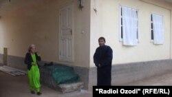 Сабина счастлива в доме своего родственника Тохира Зикриёева