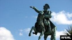 Конная статуя Наполеона во Франции