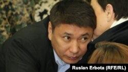 Подсудимый бывший председатель правления национальной компании «Астана ЭКСПО-2017» Талгат Ермегияев в суде. Астана, 4 апреля 2016 года.