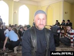 Юкамен районыннан Надир Бузанаков