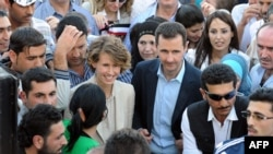 Predsjednik Sirije Bašar al-Asad sa suprugom Asmom