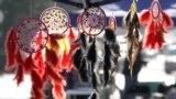 """Фестивалды мэриянын жардамы менен """"Кол өнөрчүлүктү колдоонун Борбор Азия ассоциациясынын"""" Кыргызстандагы ресурстук борбору жана Кыргызстандын Кол өнөрчүлөр кеңеши уюштурду."""