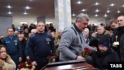 """Похороны погибших при взрыве на шахте """"Северная"""""""