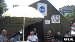 Ish-punëtorët e RTP-së në grevë