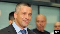 Naser Orić po povratku u Sarajevo nakon oslobađajuće presude Haškog tribunala, juli 2008.