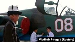 Канттагы Орусиянын аскер-аба күчтөрүнүн базасындагы учак (сүрөт 2012-жылы тартылган).